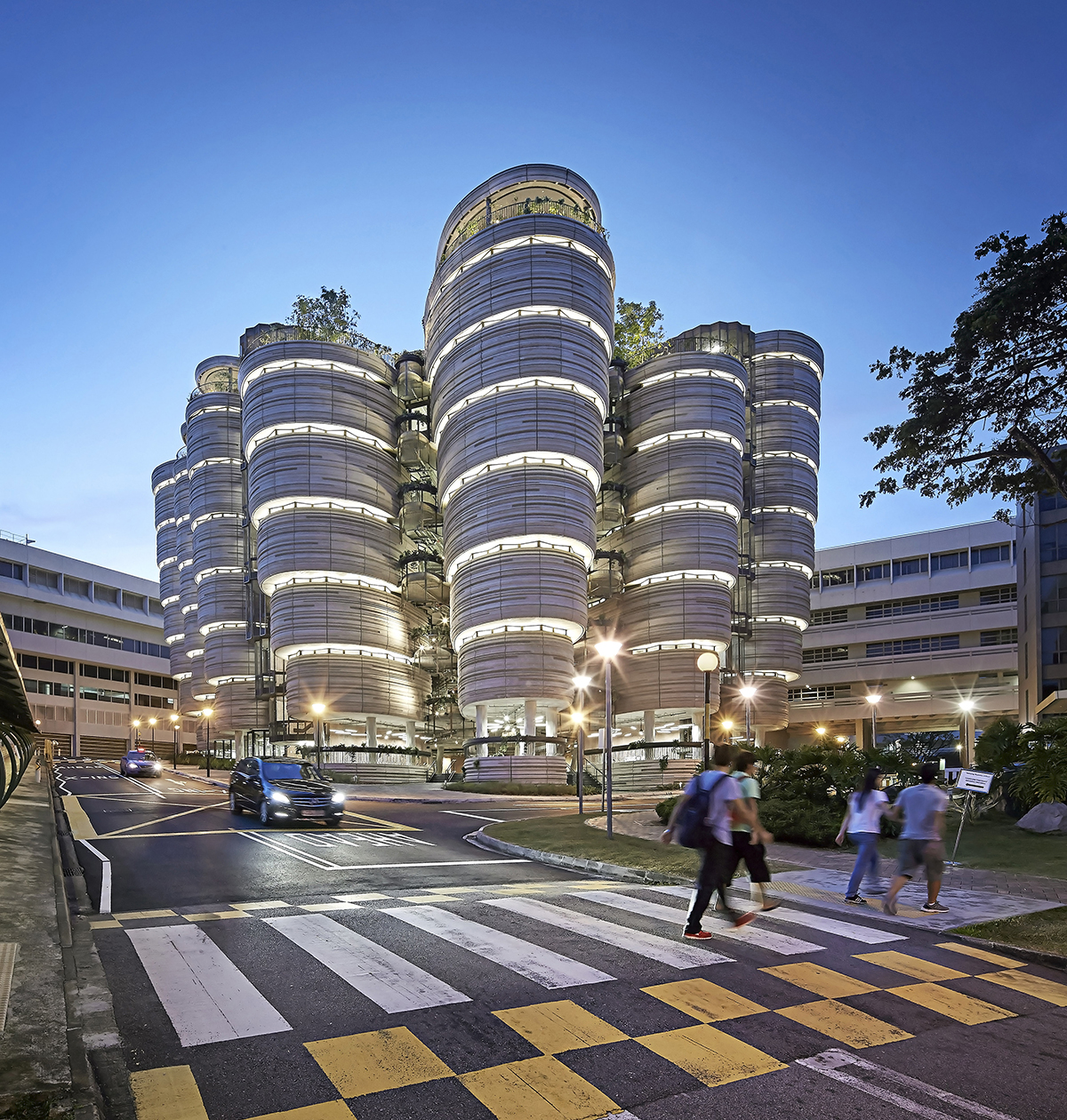 Ntu learning hub thomas heatherwick ssphere for U of m architecture